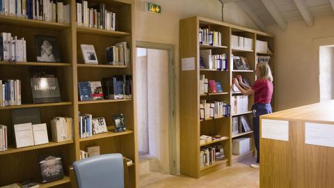 Bibliothèque café Saint Jean © Agathe Vilotitch - la Chartreuse