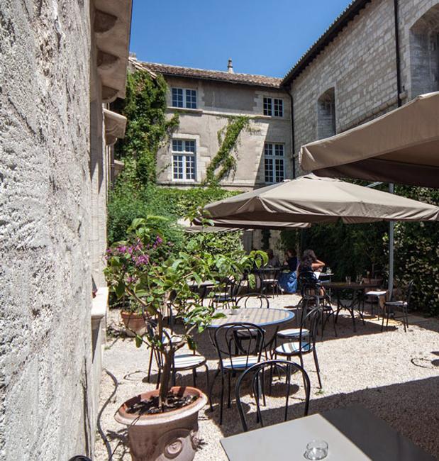 Terrasse café Chartreuse